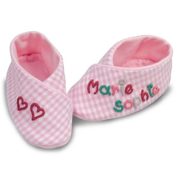 babyschuhe-maedchen-kariert-mit-namen-personalisierte-babyschuhe